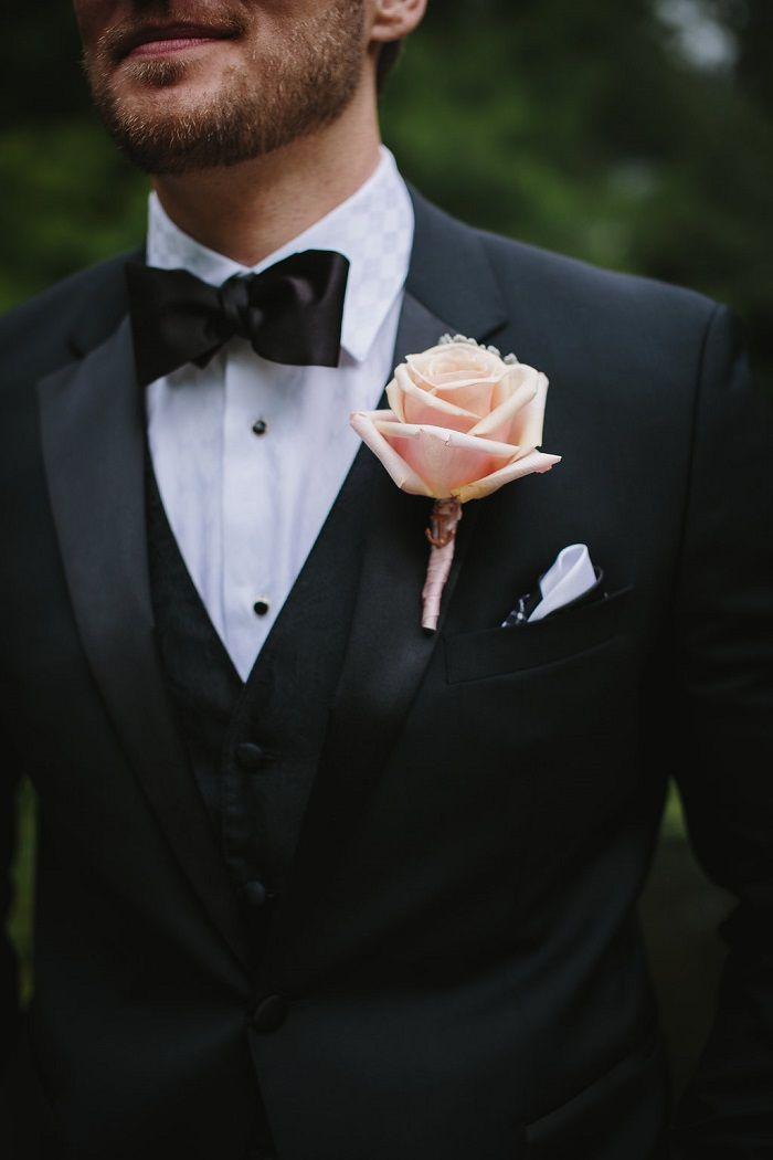 Groom style + blush boutonniere   fabmood.com