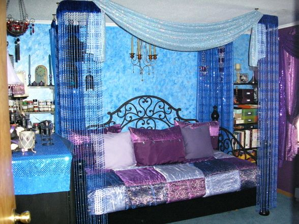 Combo of blue purple interior exterior decorating ideas for Blue purple bedroom ideas