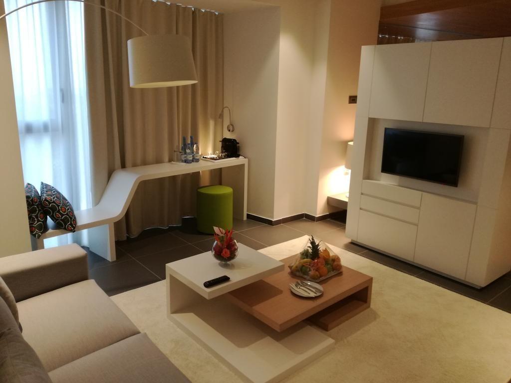 Booking.com: Seen Hotel Abidjan Plateau , Abidjan, Ivory Coast - 9 Guest reviews . Book your hotel now!