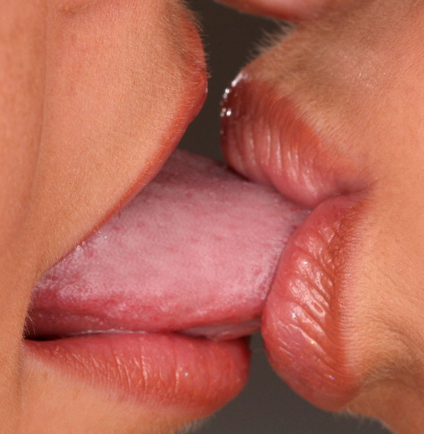 lesbian tongue kiss