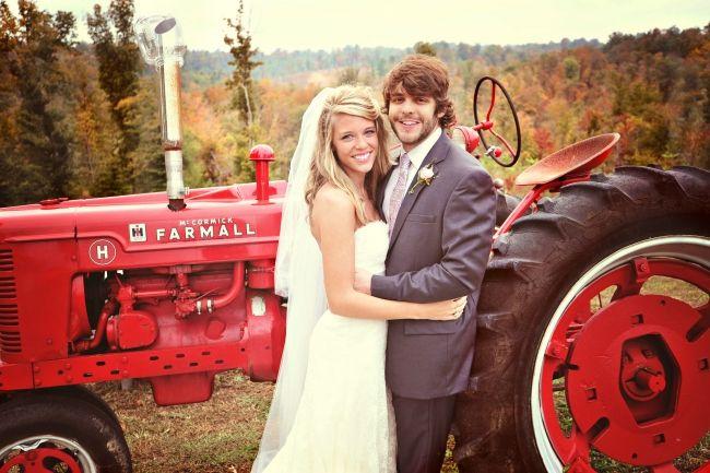 thomas rhett and his beautiful wife lauren at there