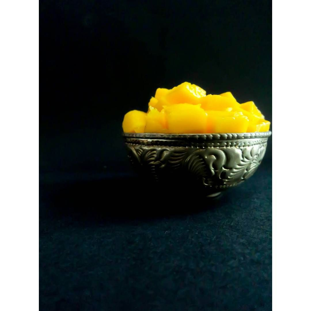 Mangoes anyone?  #fruits #organic #healthy