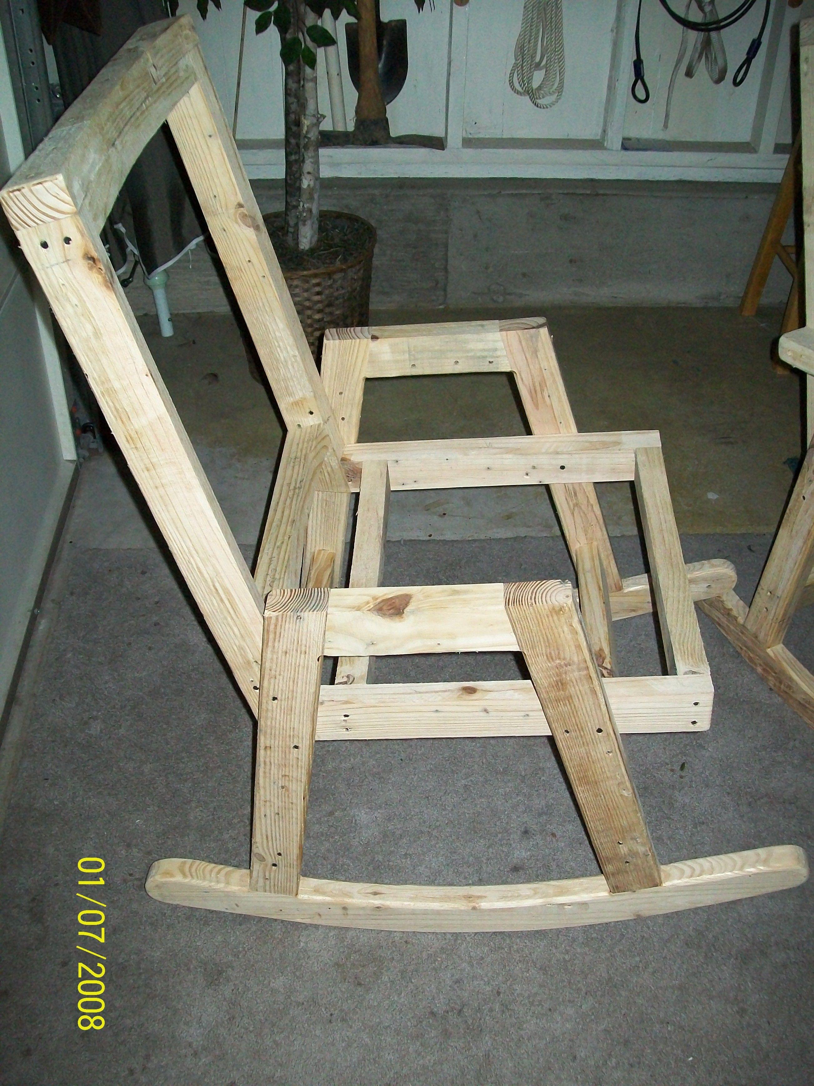 2nd Frame Pallet Rockers In 2019 Wood Furniture Diy
