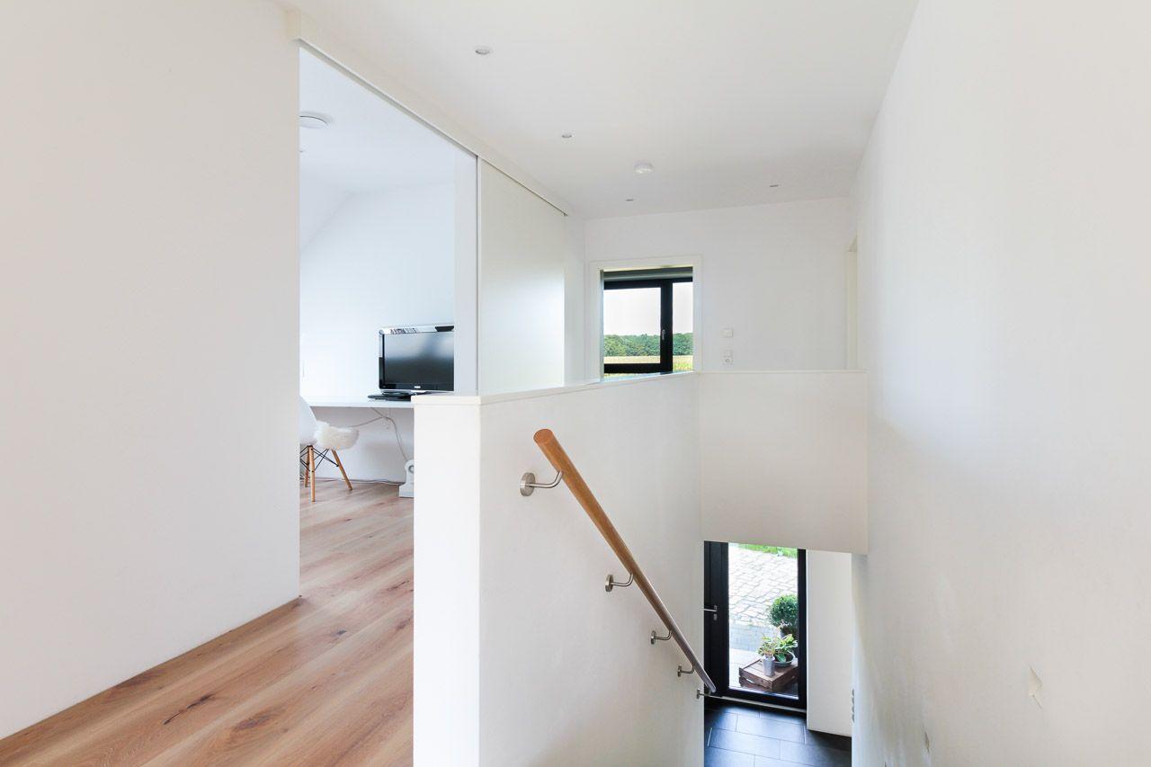 Mit vielen Ideen zum Traumhaus - ECO System HAUS   Treppenaufgang ...