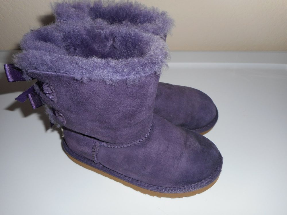 55e5a49379d GIRLS SIZE 13 UGG BAILEY BOW BOOTS - PURPLE - GOOD CONDITION ...