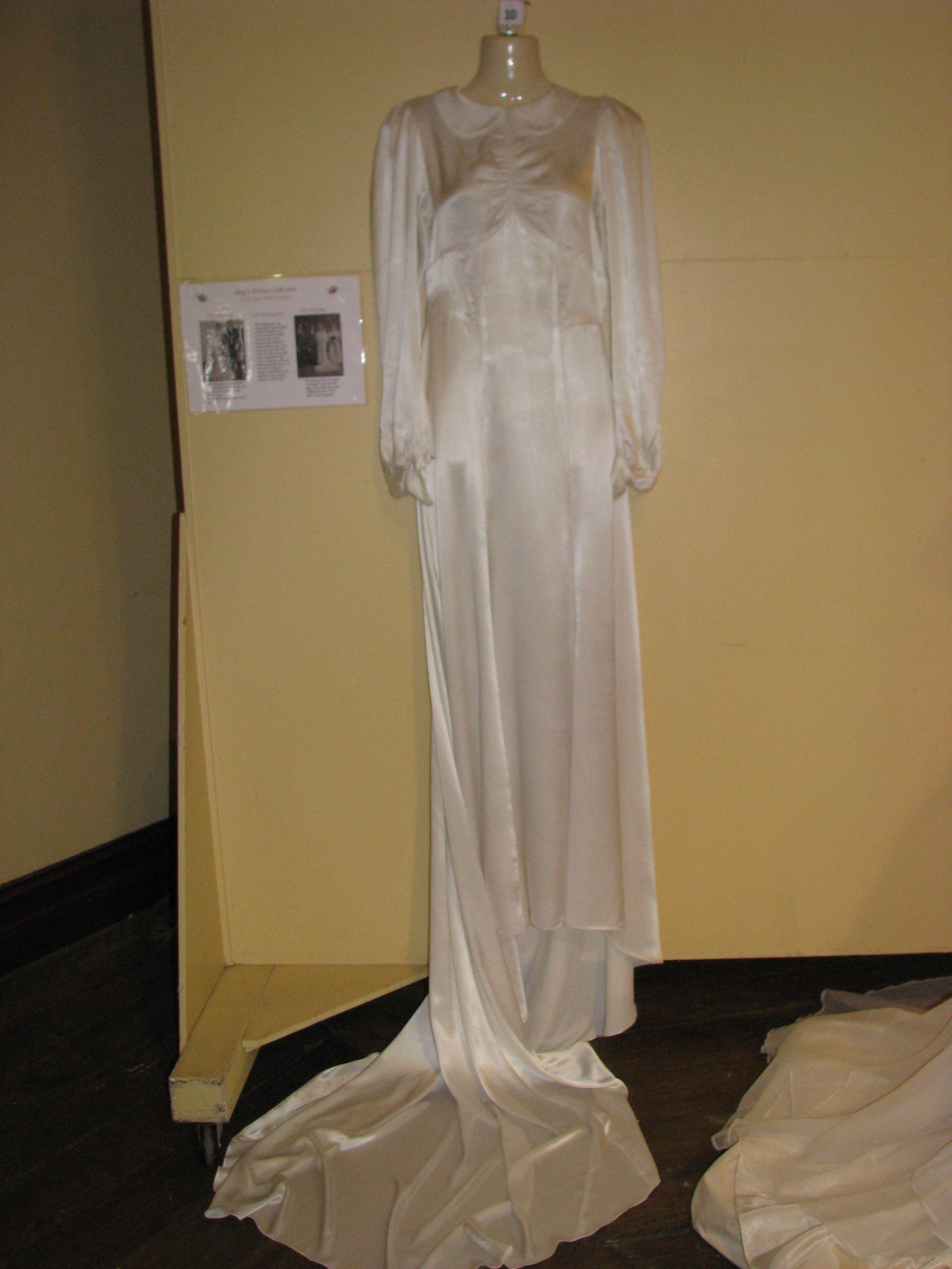 1930 wedding dress  us  Cream satin wedding dress hand made  Worn by two sisters