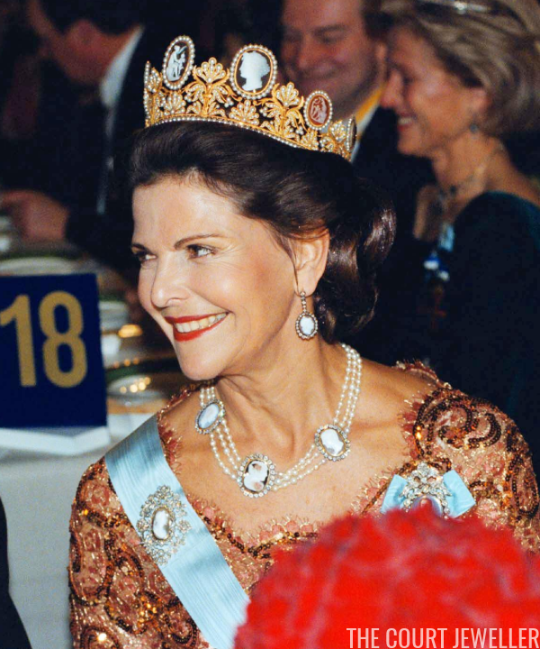 The Daily Diadem: The Cameo Tiara | The Court Jeweller