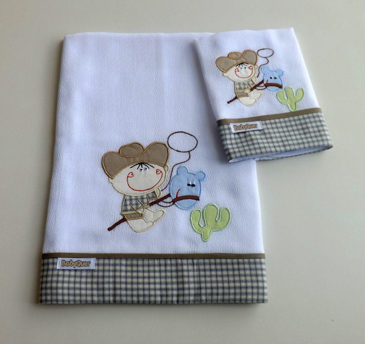 Jogo de babitas bordadas com barrado de tecido xadrez.    Tamanho: Babita - 32 x 32 cm; Fralda - 67 x 67 cm    Tecido: Fralda Cremer Luxo - 100% algodão