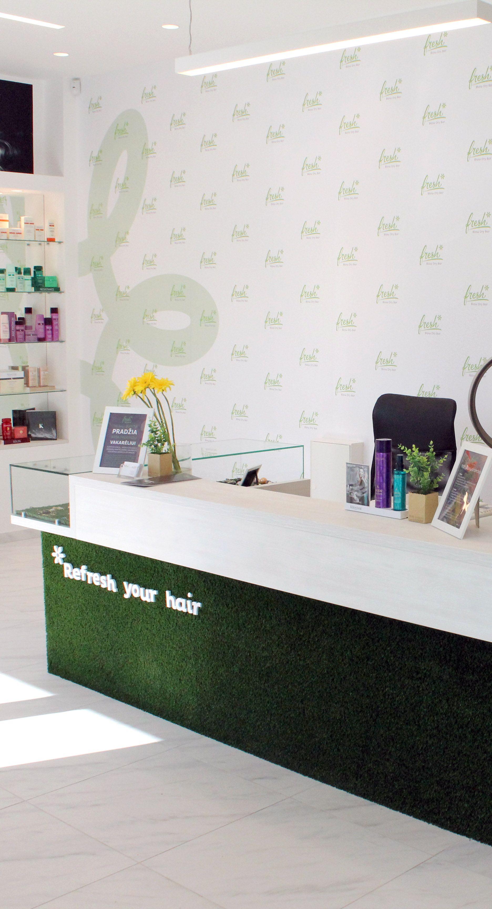foto wall Dry bar, Home decor, Beauty bar