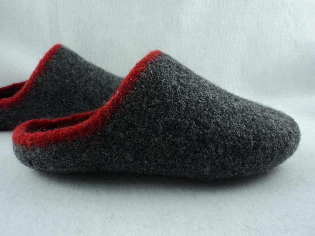 Men\'s Scuff Slippers Felted Knit Pattern | Knit patterns, Felting ...