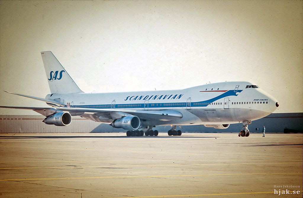 Travel Scandinavian Airlines Boeing 747 The Viking Of The 1970s Ultra Swank Boeing Boeing 747 Boeing Aircraft