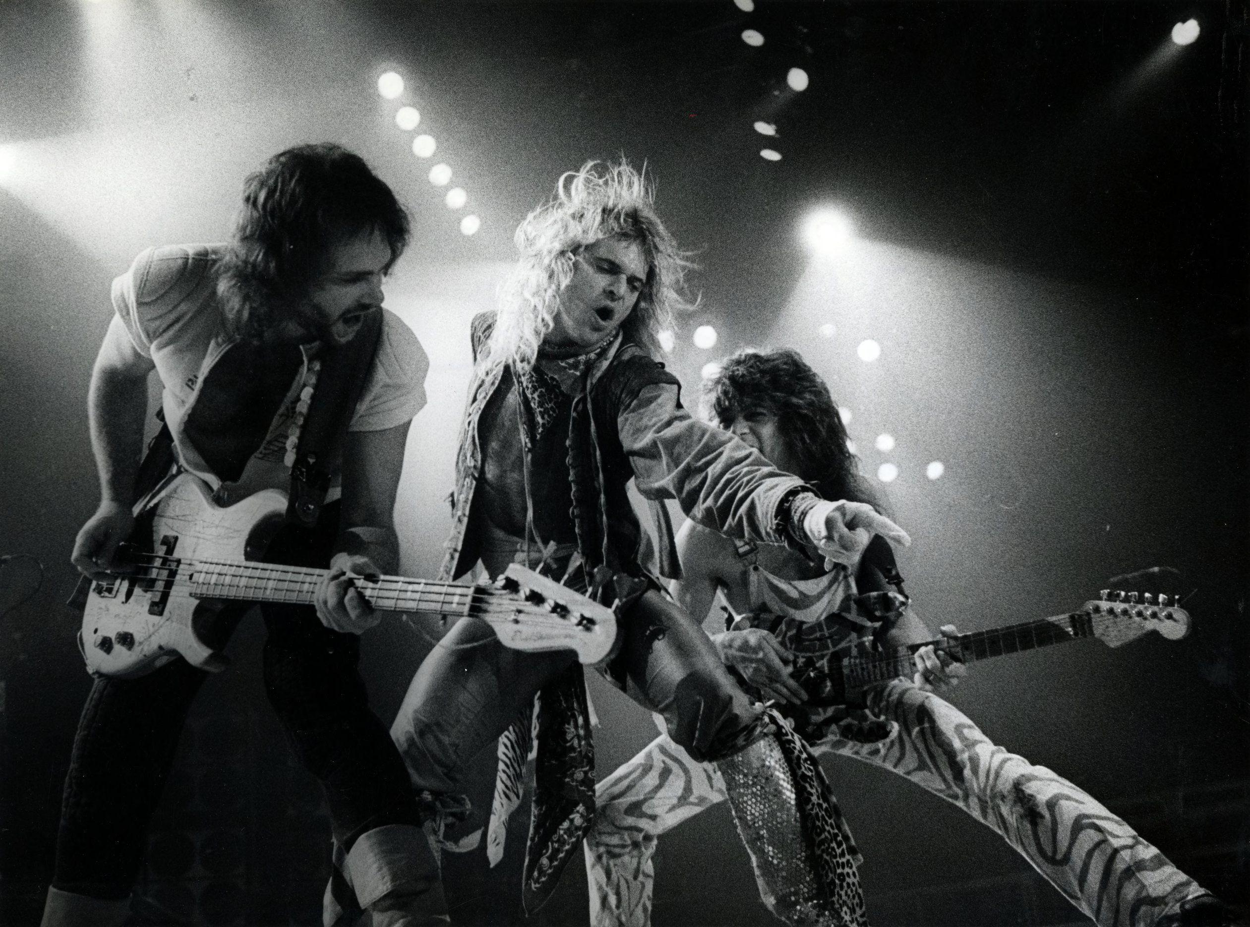 Just Came Back From This Crazy Van Halen Concert I Love Hard Rock So Much Because It Is So Trendy Right Now With Images Van Halen Van Halen Concert Eddie Van