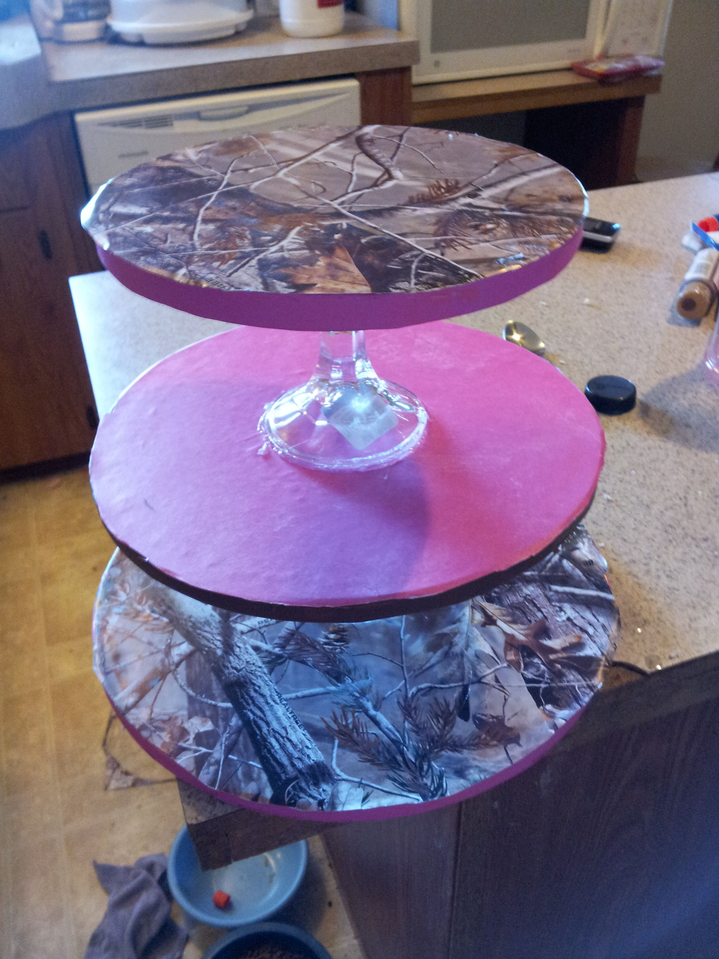 Hot Pink and Camo Cupcake stand Stands