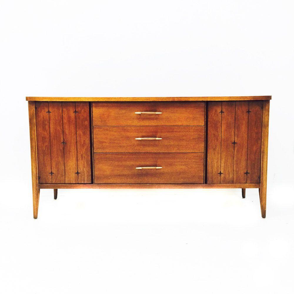 Best Broyhill Saga Credenza Credenza Mcm Furniture Mid 400 x 300