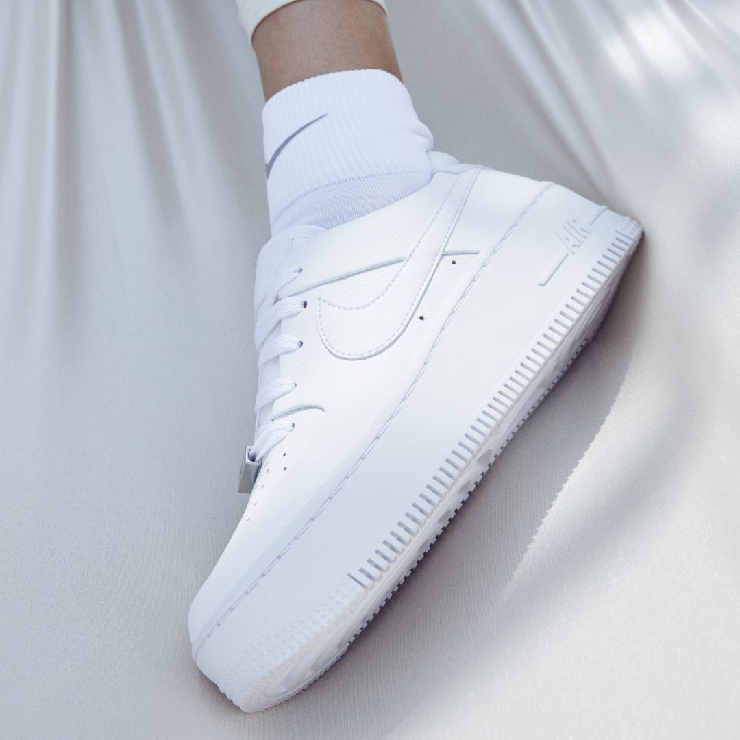 ddf07e7da830 Nike Air Force 1 Sage Low Women s Shoe Size 12 (White)