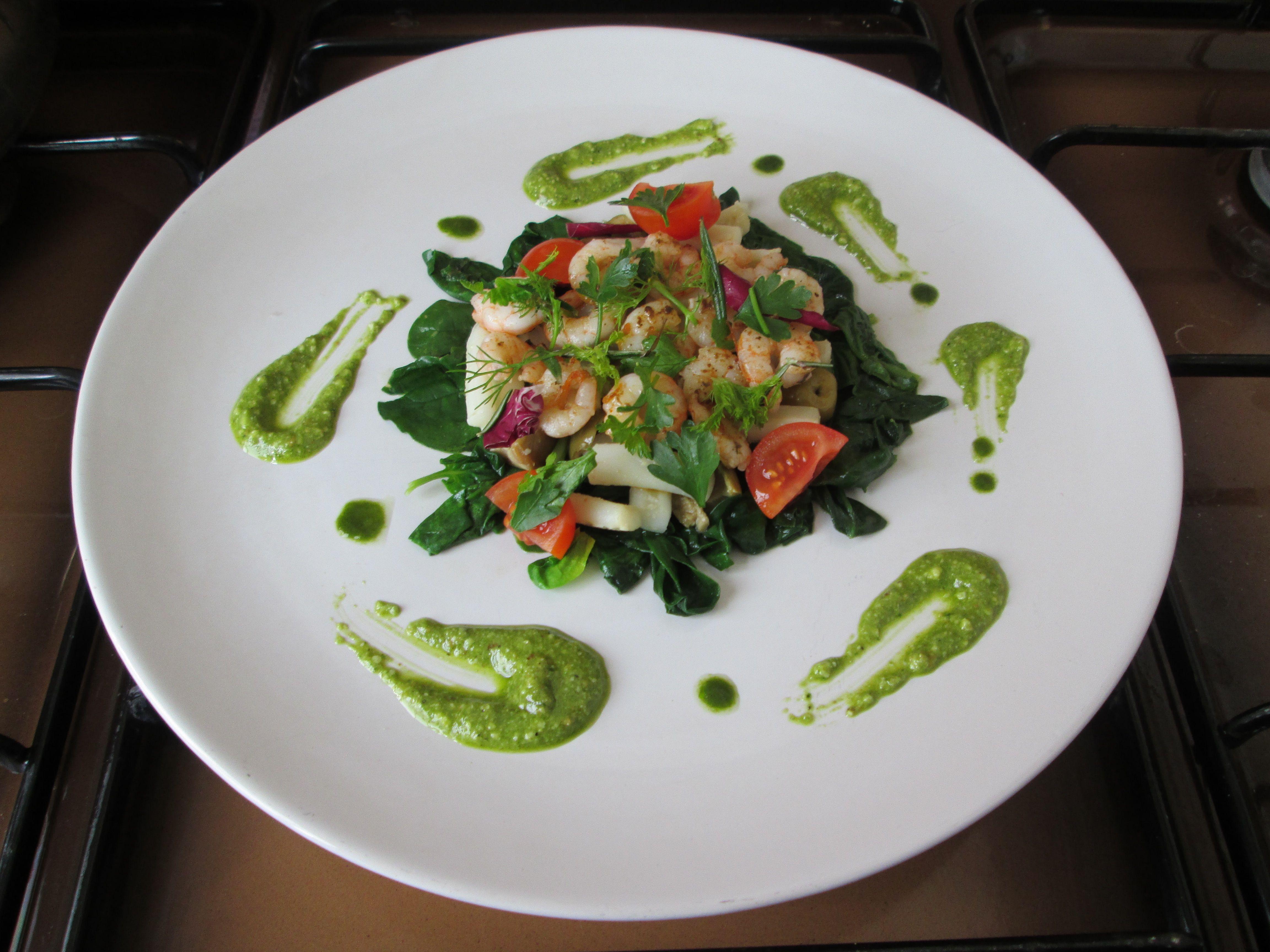 Tortino  di totanetti  gamberetti e  spinaci  salsa   di pesto al prezzemolo   /   Gino D'Aquino