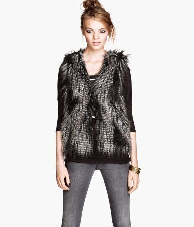 Absolutely must have this faux fur vest!! Product Detail  fa34fbf6be