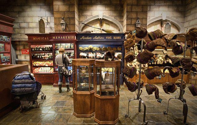 Harry Potter Shop Google Search Store Design Design Harry Potter Shop