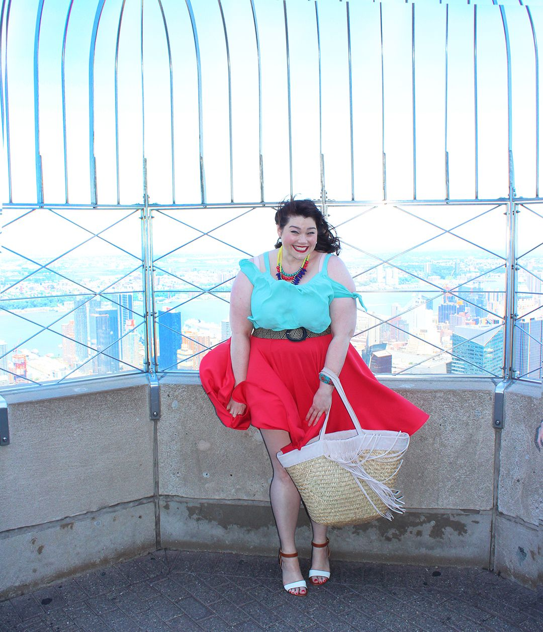 Plus-size-blogger-amber-style-plus-curves-empire-state