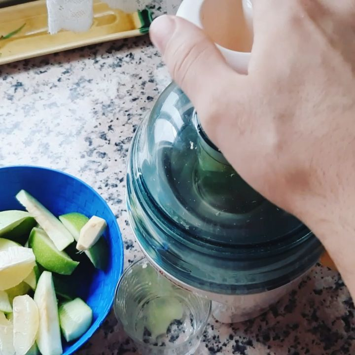 How to Make Passive Income & Love What You Do with CTFO Que mejor que empezar el día con nuestro zumo detox 🍋🍏🥒