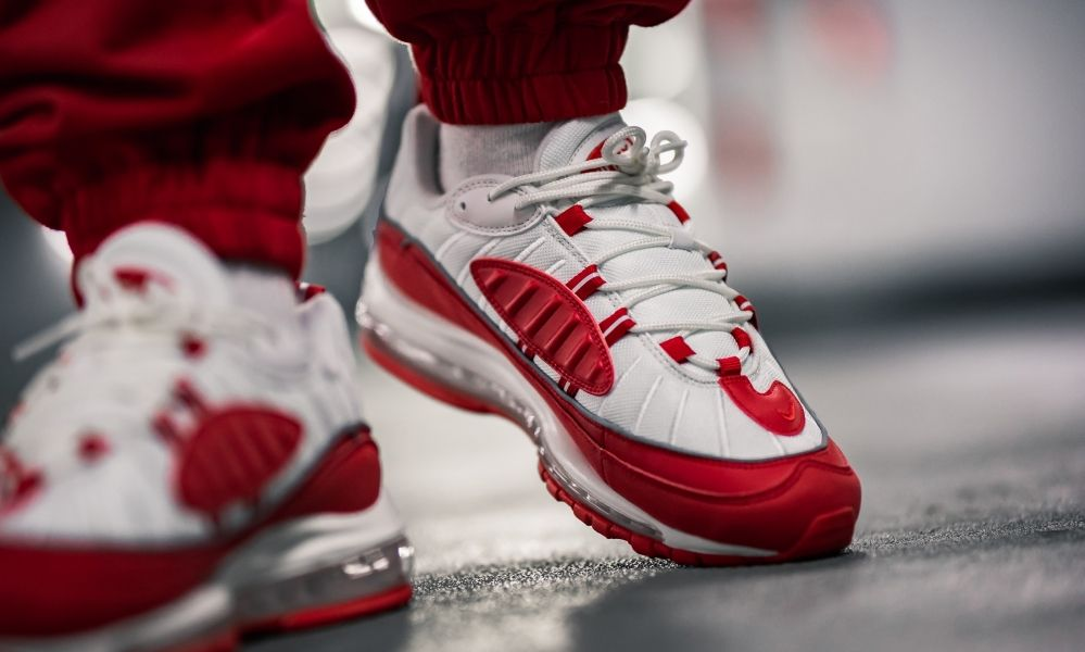 Nike Air Max 98 University Red | 640744 602 | Foot covers in