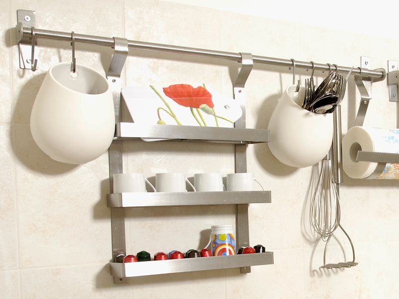 Installare contenitori da parete ikea in cucina idee salvaspazio e ikeahackers pinterest - Portaoggetti da parete ikea ...