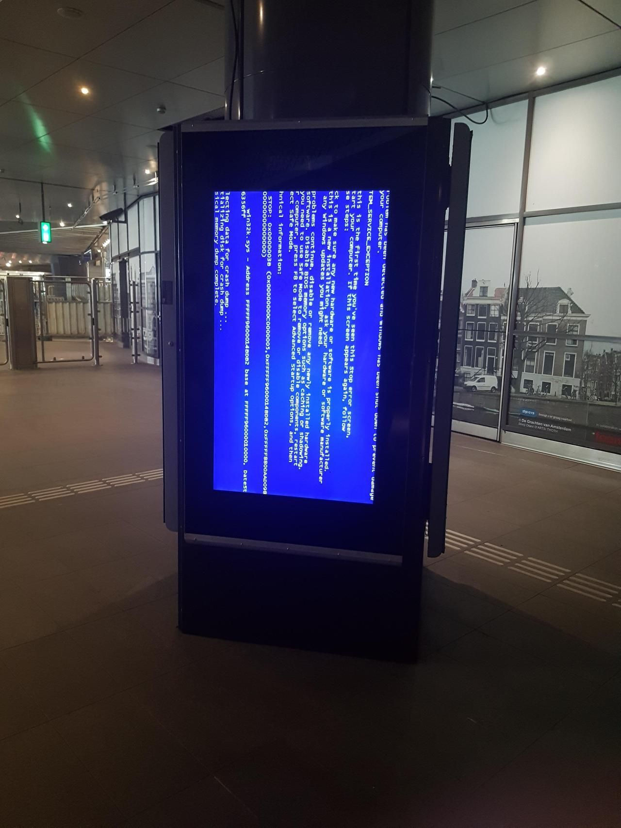 Spotted At A Metro Station In Amsterdam Bsod Pbsod Metro