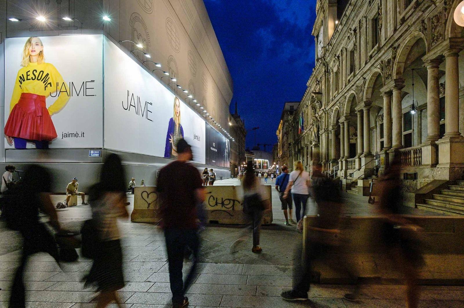 J'AIMÈ / HELLEN BATTERR Via dei Mercanti / Pizza Duomo