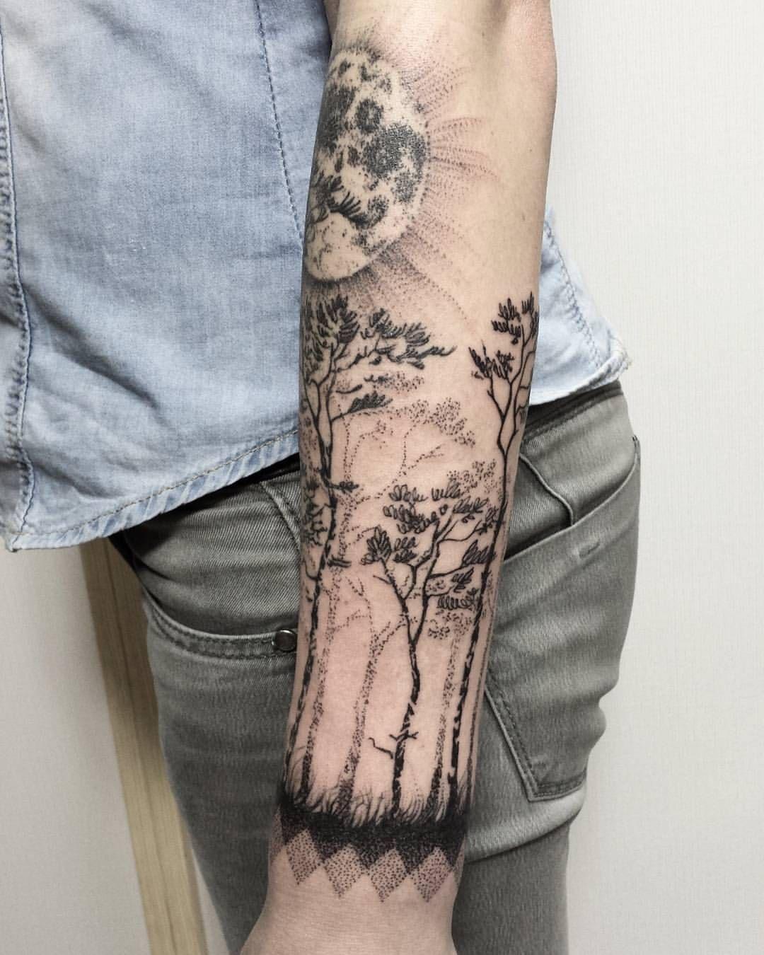 """cdee0d7d3 Polubienia: 148, komentarze: 3 – HIPNER (@hipner.magdalena) na Instagramie:  """"2 #las #wilk #księżyc #drzewa #tatuaż #trees #forest #tattoo #black #moon  #wolf ..."""