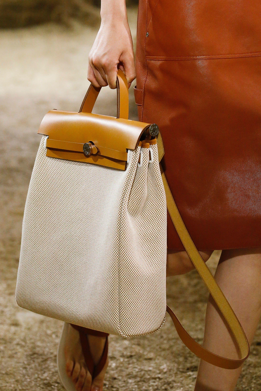 4b3900fd Hermès Resort 2019 Collection - Vogue Bolsos De Cuero Hechos A Mano, Cuero  Hecho A