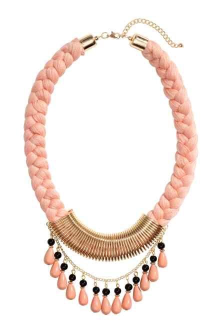 a153972b2176 10 collares de moda para este verano ¡que te encantarán ...