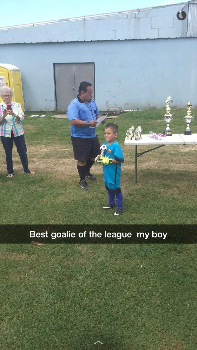 Beat goalie of the league award Goalie, League, Boys