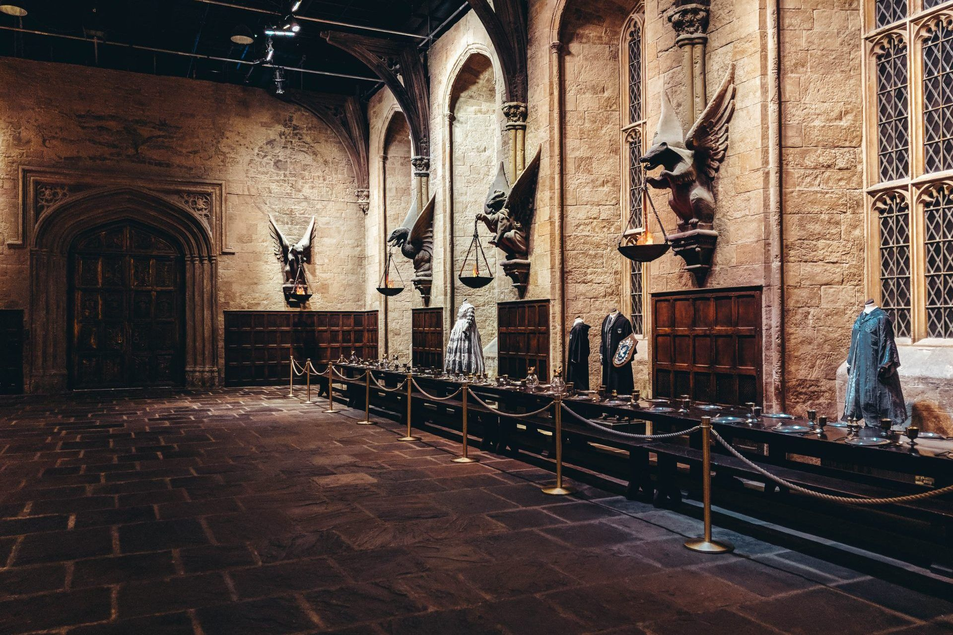 Tickets Fur Das Harry Potter Theaterstuck Hamburg Urlaubsguru Hogwarts Grosse Halle Hogwarts Theaterstuck