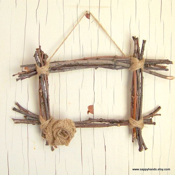Rustic Twig And Twine Hanging Wall Frame Featuring Burlap Flower Rustic Home Decor Primitive Wooden House Decor Rustic Wall Hanging Designs Green Home Decor