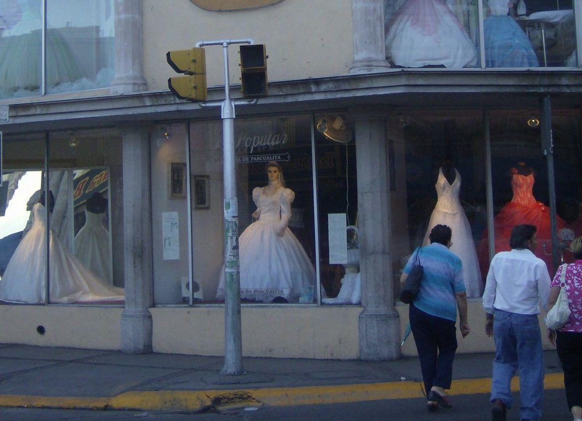 Wedding Shewalkssoftly Bridal Shop Beautiful Figure Wedding
