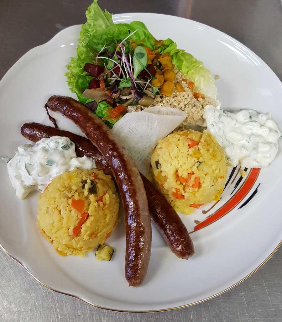 Lamm Merguez mit Gemüse-Couscous