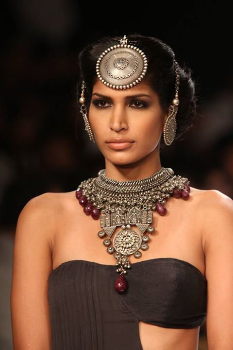 Apala Sumit Sawhney IIJW 2014 best jewellery tribal Jewellery