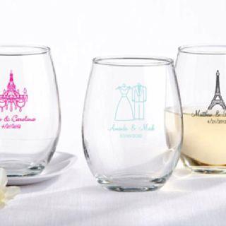 Wine glasses as a wedding favor