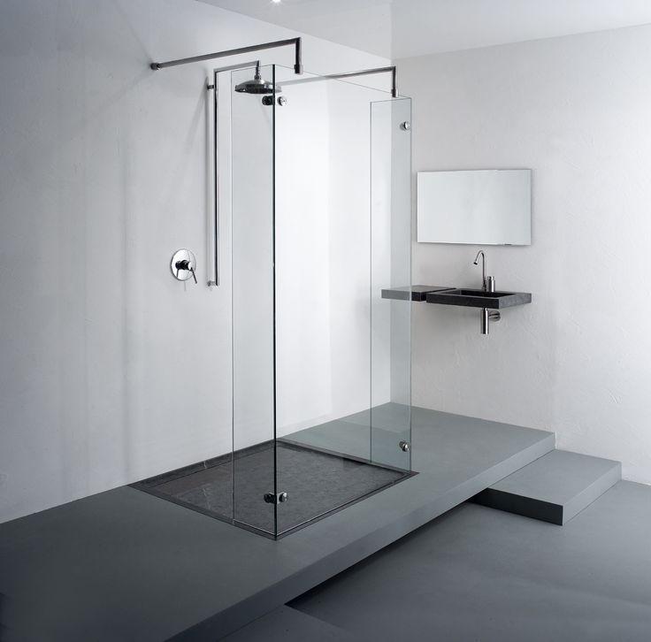 Inloopdouche met douchebak van belgisch hardsteen en douchewand freestyle model 9730 balance - Badkamer model met badkuip ...