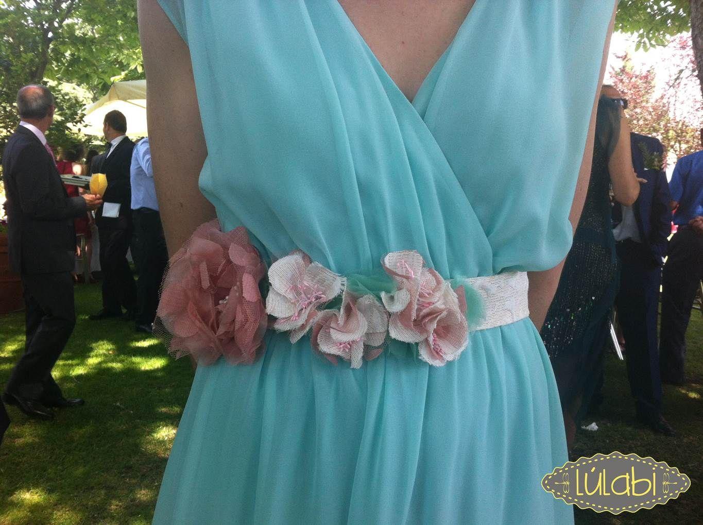 elige auténtico Nueva York calidad superior Cinturón de flores en rosa empolvado, blanco y mint. | Ремни ...