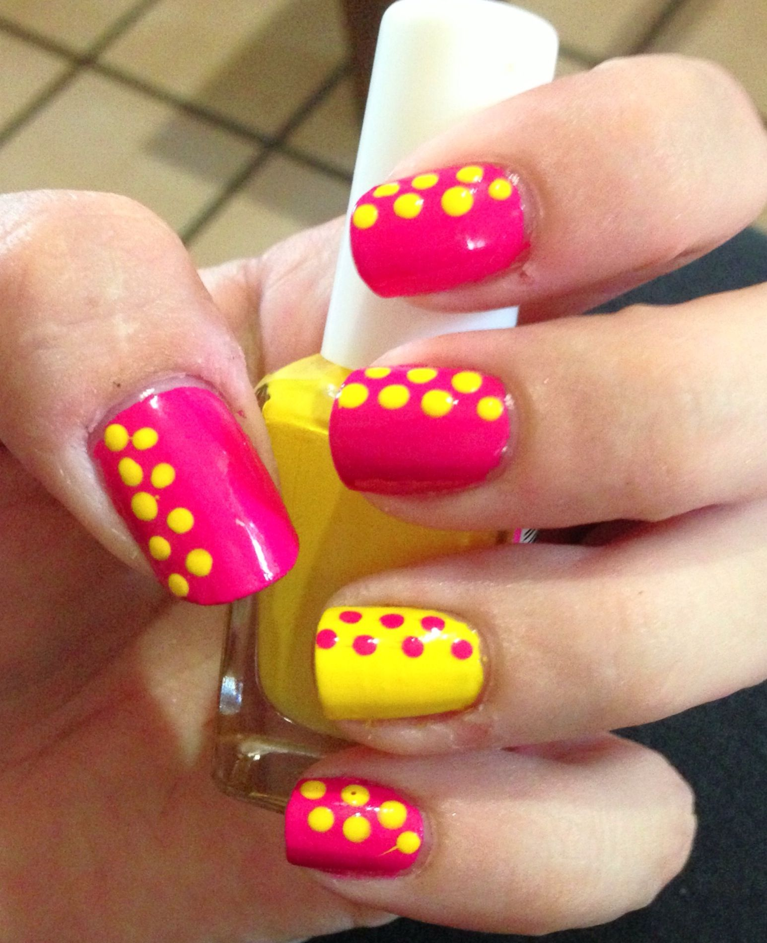 Polka dot easy nail art looks easy enough for me d nails