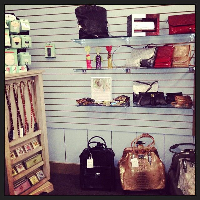 Loving the displays; it's so nice to see the beautiful accessories together! @avenuekaccessories