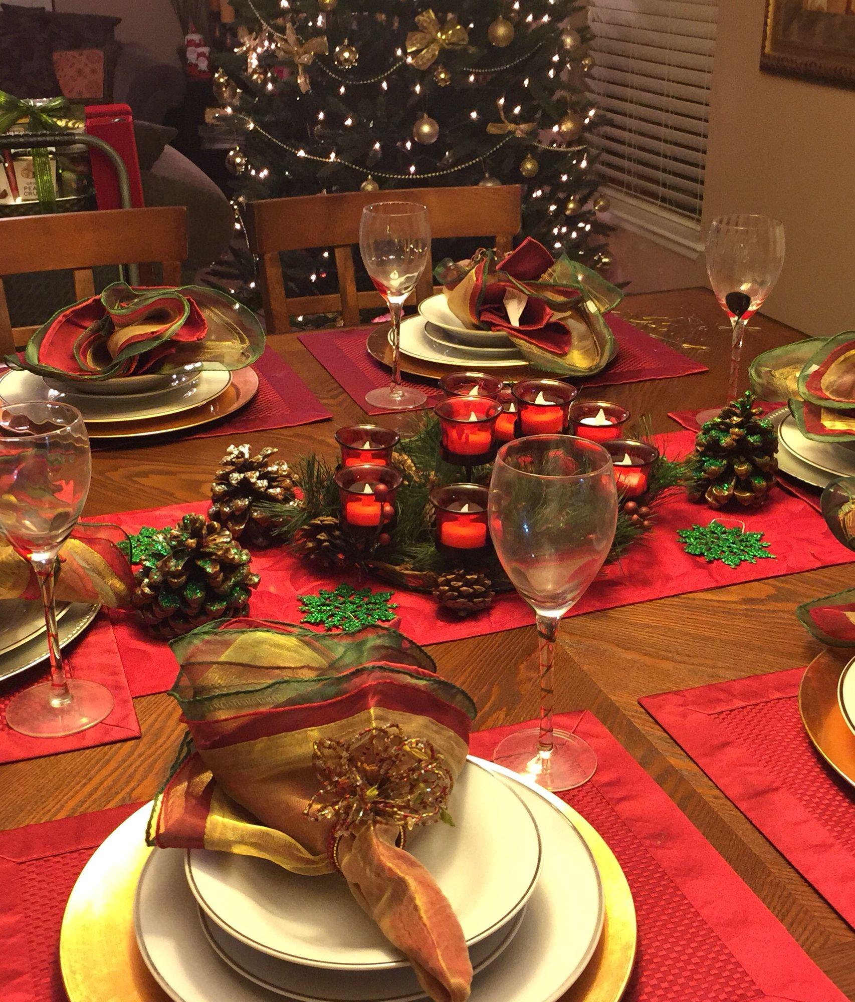 Dining Table Set Up For Christmas Dinner Christmas Dinner Set