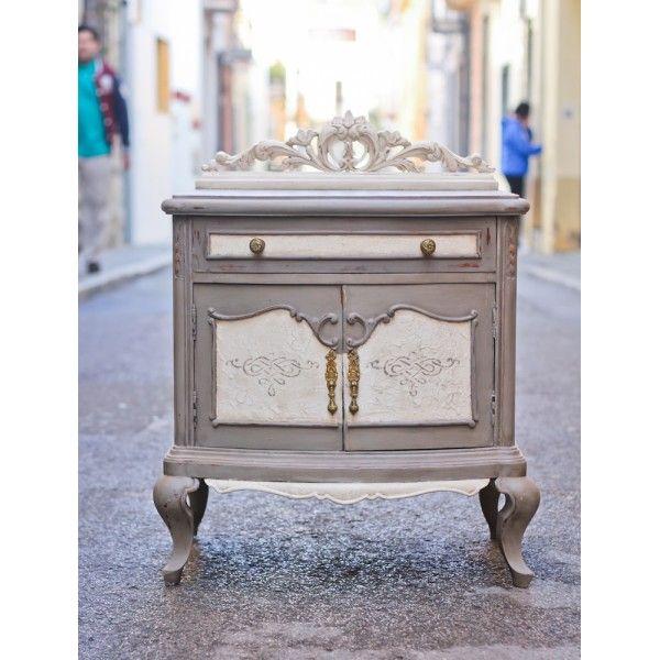 Mesita de noche pintada con french linen y old white de for Muebles franceses