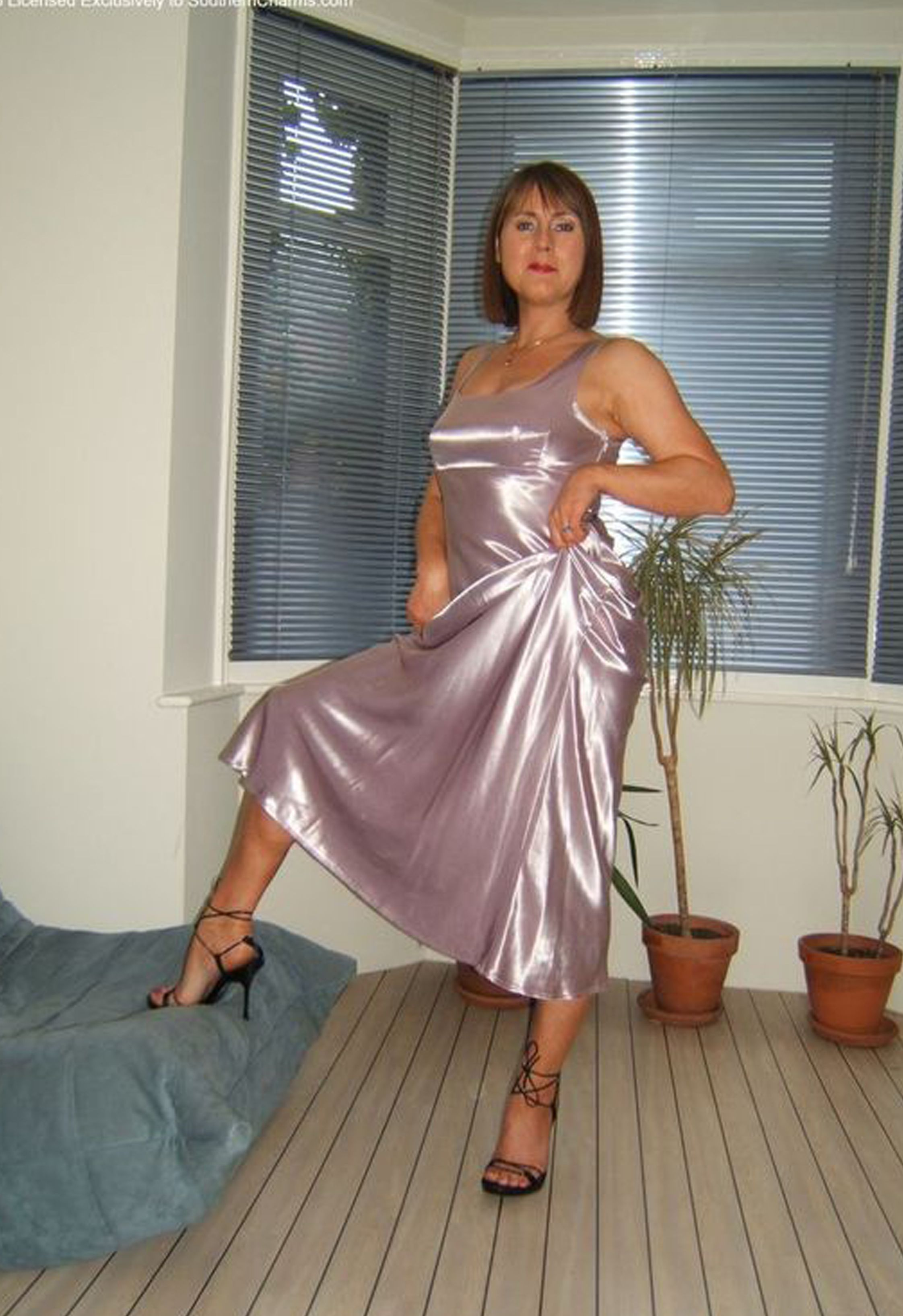 Pin By Donne Thompson On Older Women In 2019  Satin -9867