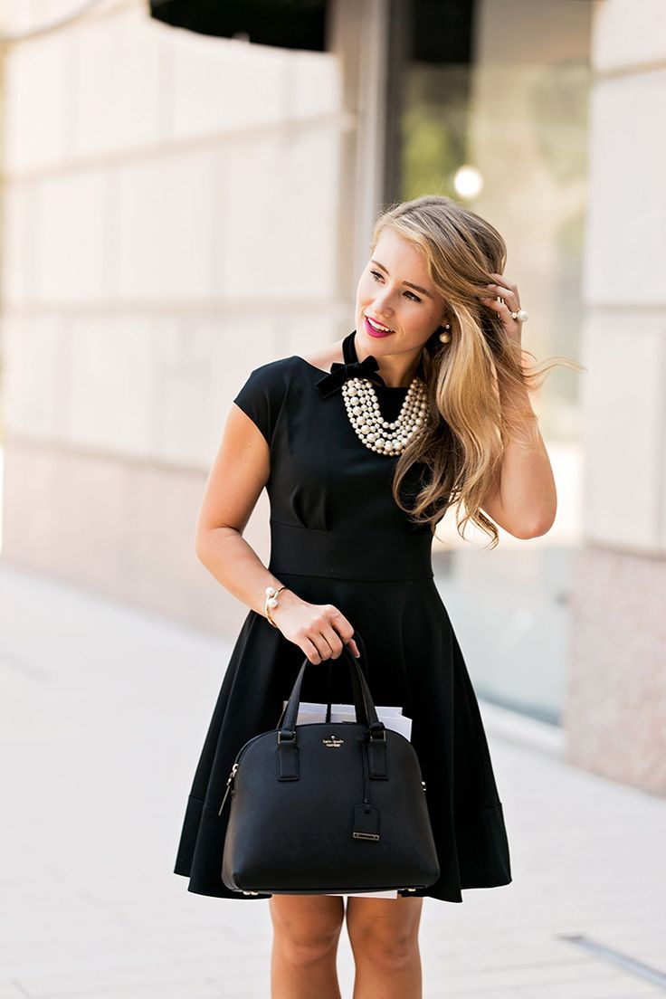 Girl In Pearls A Lonestar State Of Southern Fashion Black Dress Little Black Dress