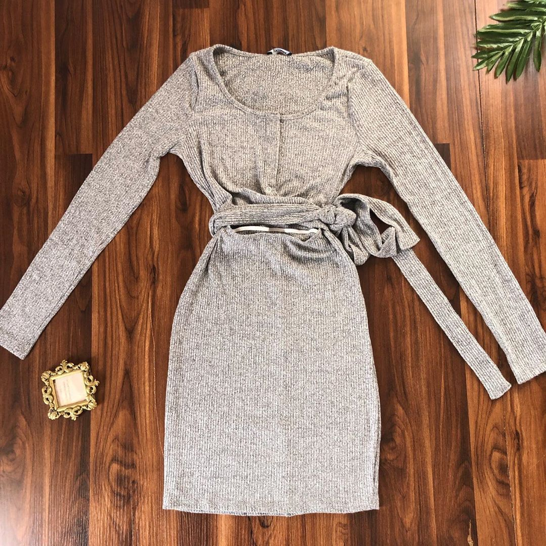 Dress available  Price : N10,500 Dm or WhatsApp to (07011299127) Delivery within Lagos N1000 (1-...