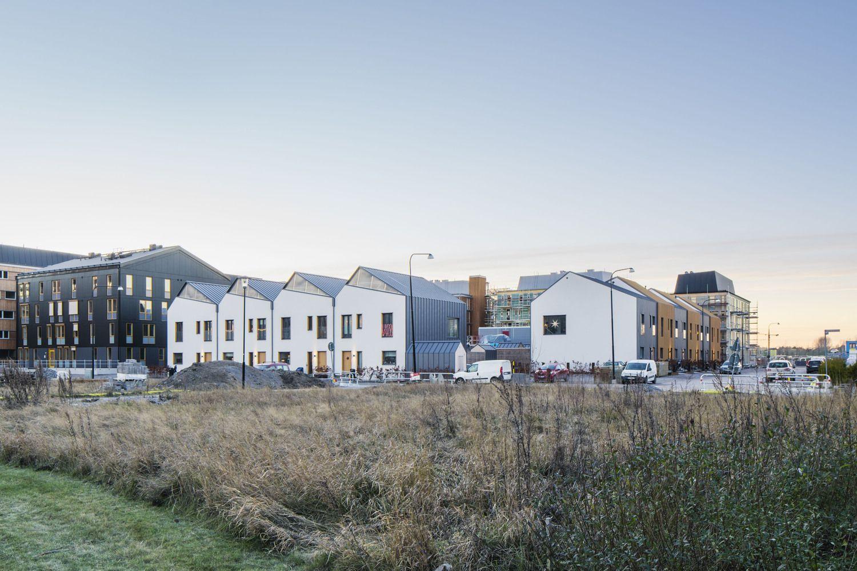 Gallery Of 3 In 1 Housing Street Monkey Architects 12 Solar House Prefab Modern Prefab Homes