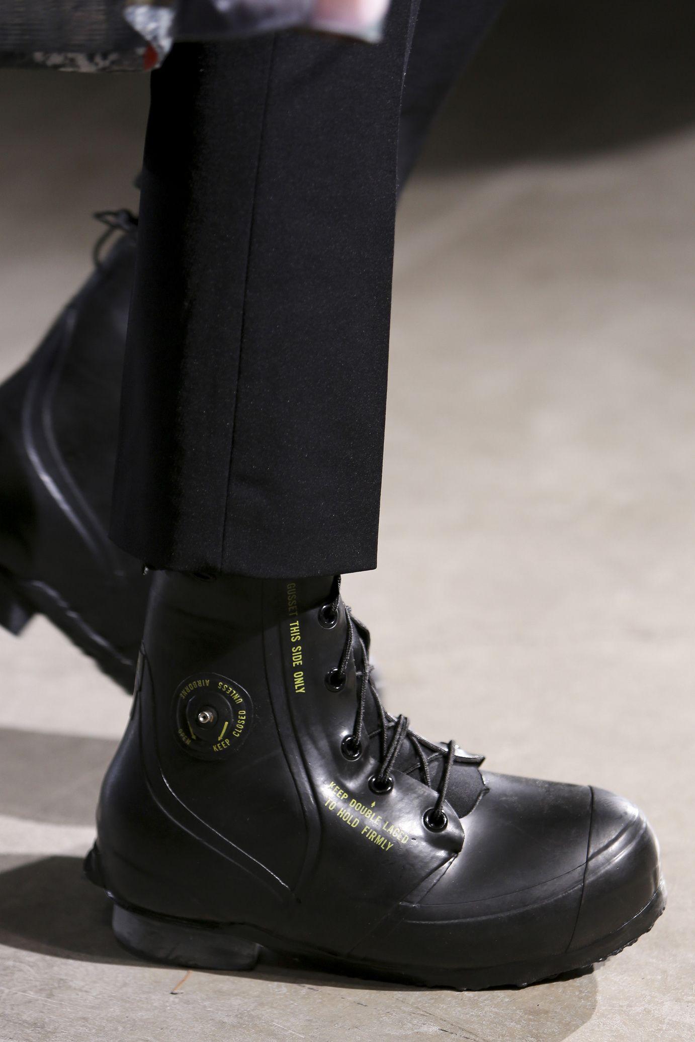 Raf Simons  menswear fall winter 2014-2015 f4e5d1ff43a0
