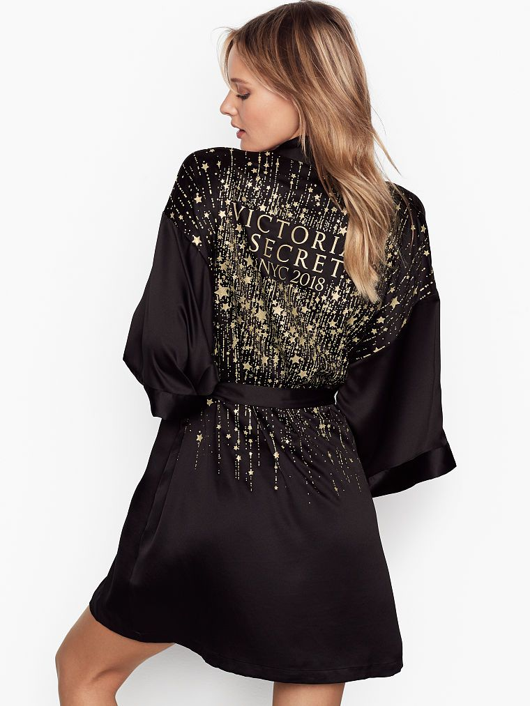 de8cca6d8edea Victoria's Secret Fashion Show 2018 Robe | Products in 2019 ...